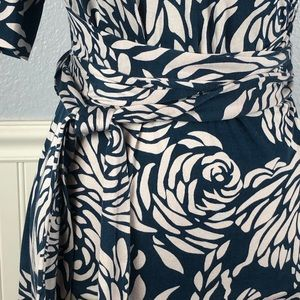 Banana Republic Dresses - Banana Republic teal silk blend floral wrap dress